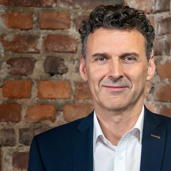 Jean Bouvain, ehem. Head of Sales CHC, Sanofi-Aventis Deutschland GmbH
