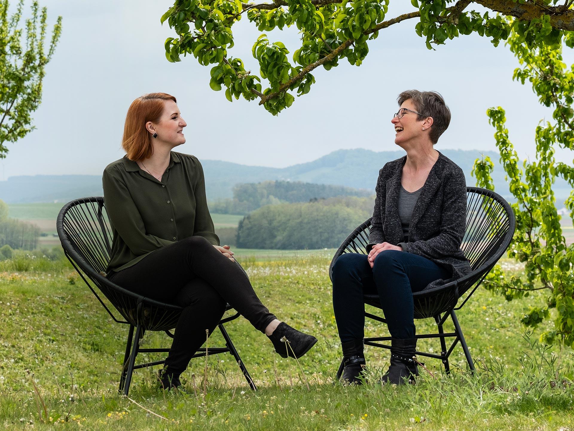 Angela Fahrner und Johanna Morgenstern